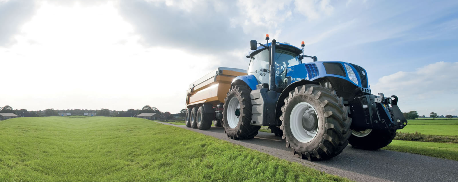 New Holland T8 Serisi...